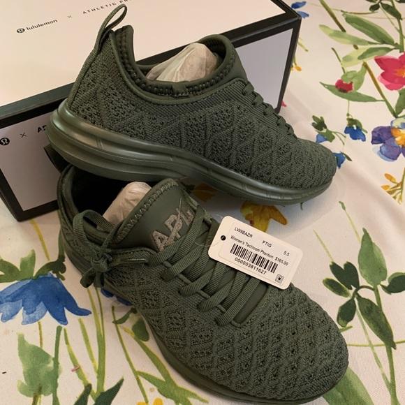APL Shoes   Nwt Apl Techloom Sneakers